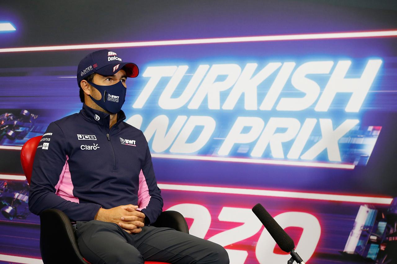 セルジオ・ペレス、レッドブルF1の決断の遅れに「サバティカルも選択肢」 / F1トルコGP 木曜記者会見