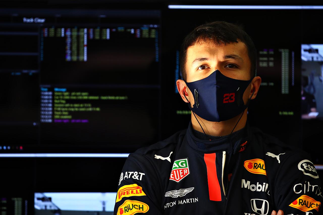 アレクサンダー・アルボン 「どのように改善できるかまだ予想がつかない」 / レッドブル・ホンダ F1トルコGP 金曜フリー走行