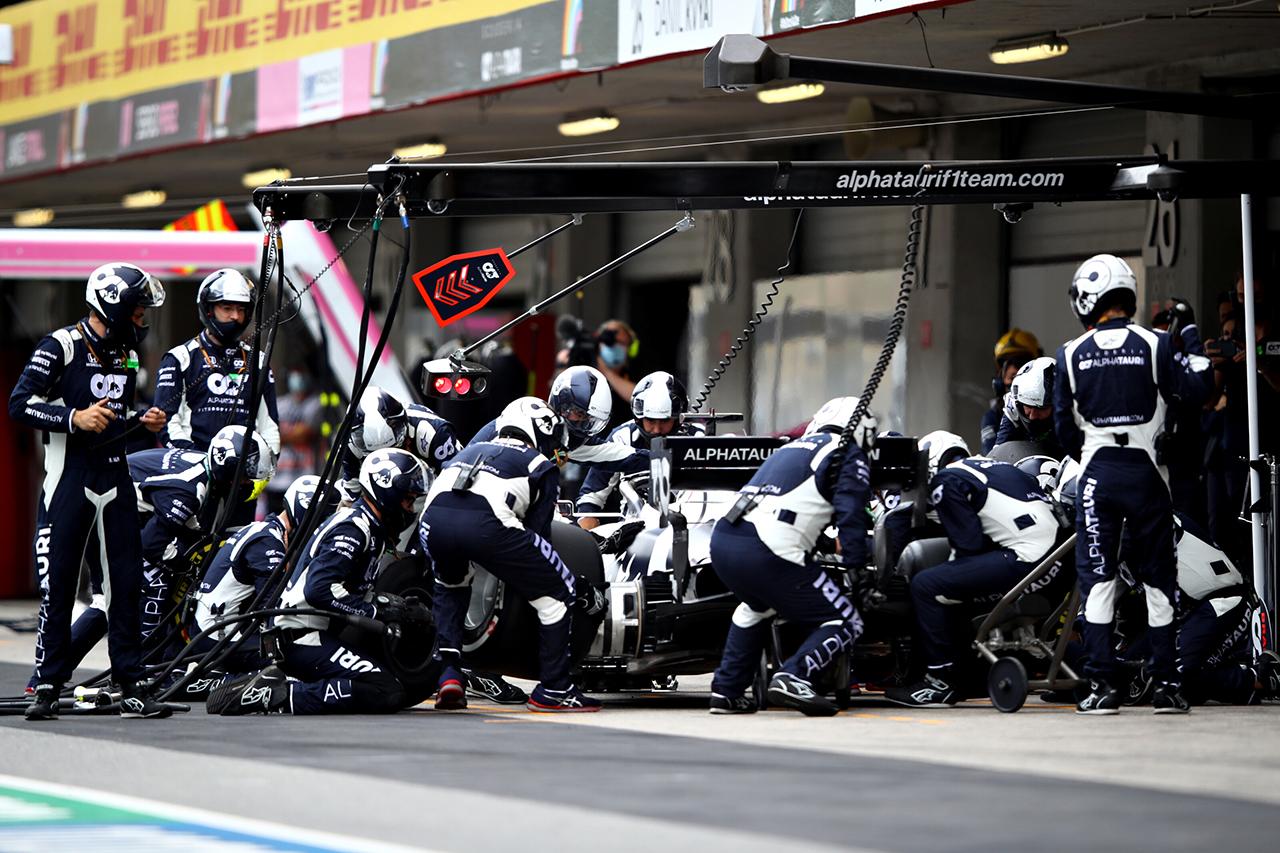 FIA、ダニール・クビアトのシートベルトの安全上の問題を調査 / アルファタウリ・ホンダF1