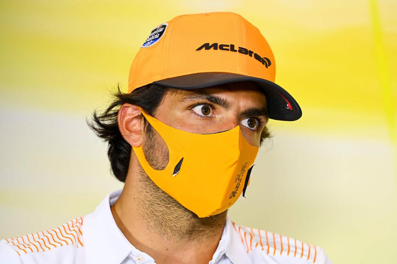 カルロス・サインツ 「フェラーリF1移籍を後悔しているかの質問はウザい」