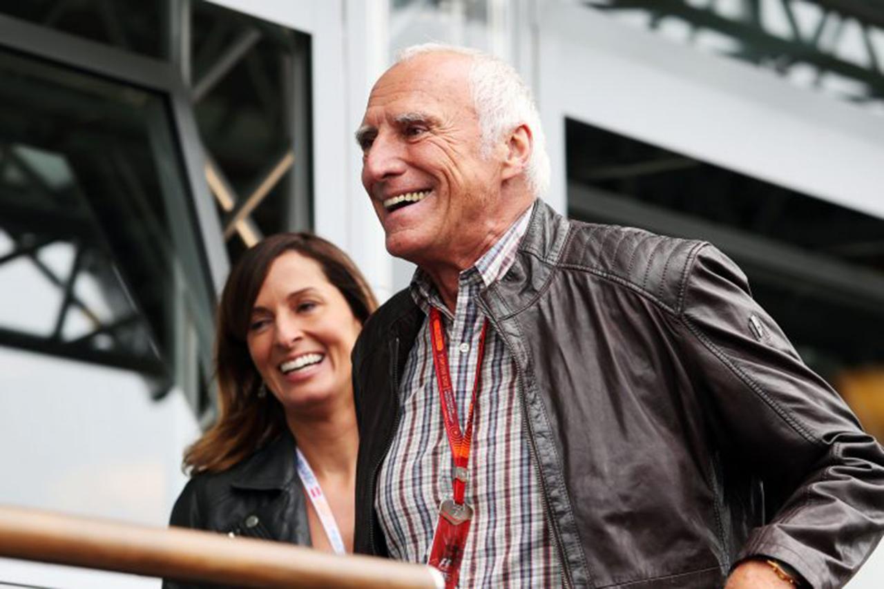 F1:レッドブルのオーナー、販売好調で約426億円の特別配当