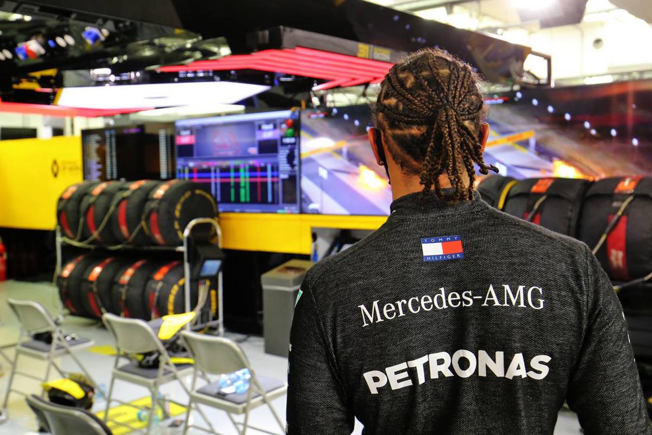 ルイス・ハミルトン 「F1が危険なスポーツであることを思い出させた事故」 / メルセデス F1バーレーンGP 決勝