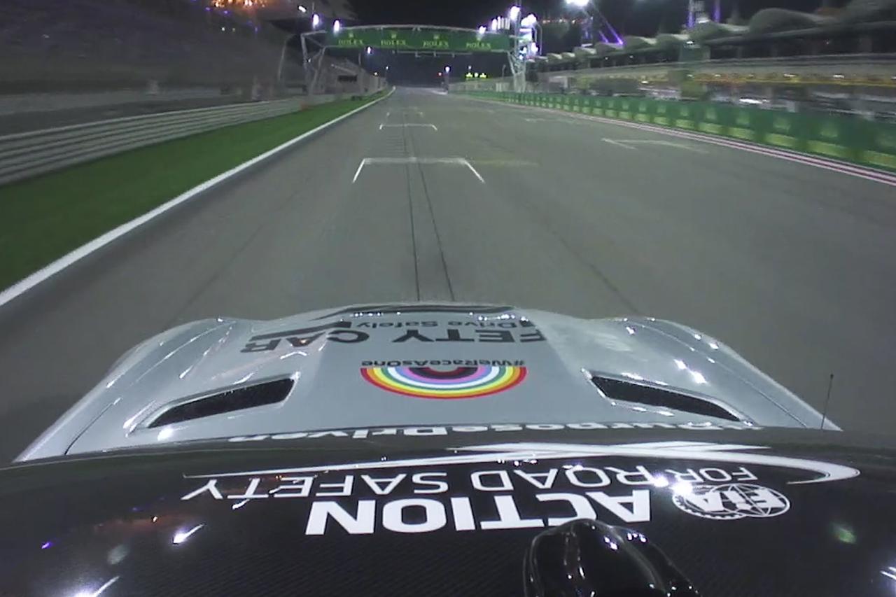 "F1サヒールGP:超高速""アウタートラック""のオンボード映像"
