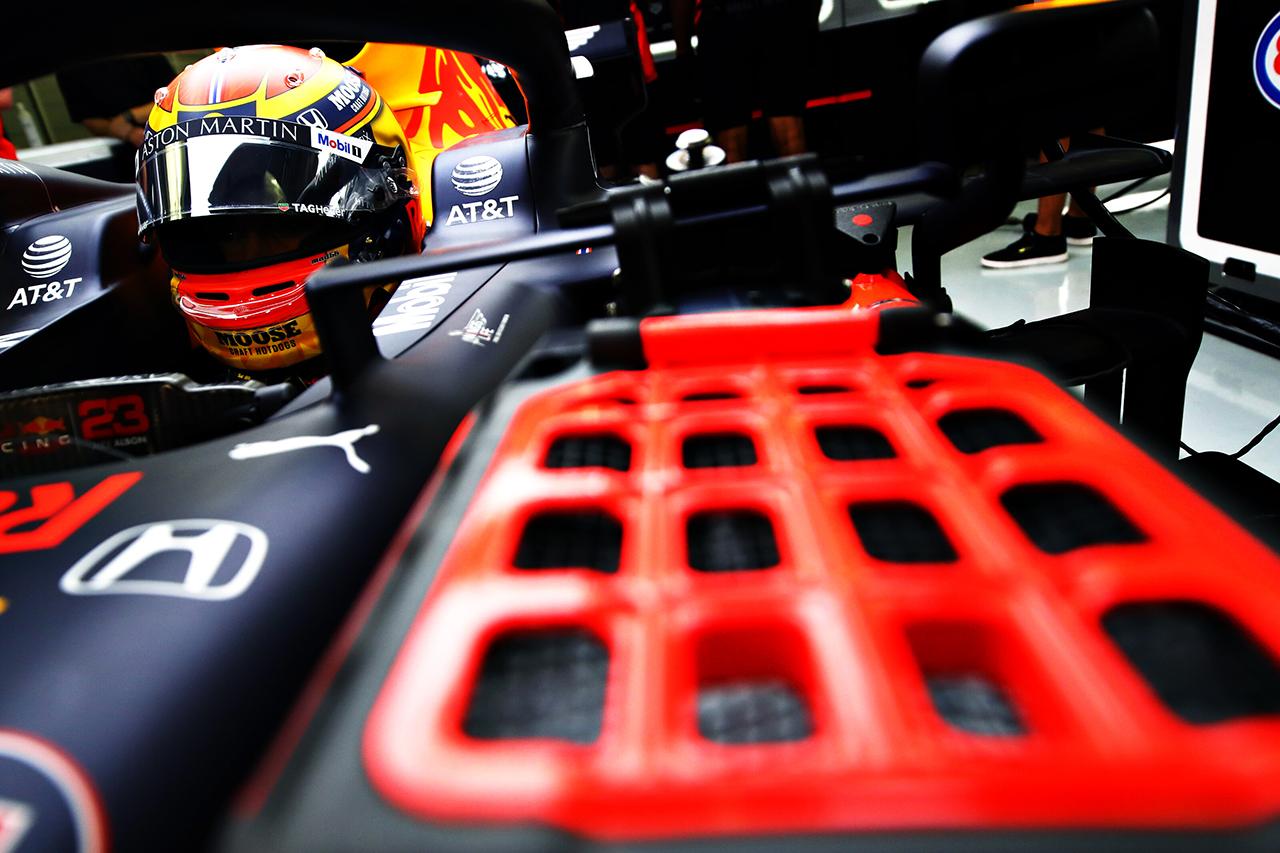 アレクサンダー・アルボン 「ペースは上々だがまだ序盤に過ぎない」 / レッドブル・ホンダ F1サヒールGP 金曜フリー走行