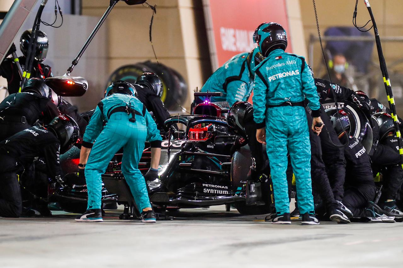 メルセデスF1、ジョージ・ラッセルのタイヤ装着違反は罰金処分…ラッセルのF1初ポイントは確定 / F1サヒールGP 決勝