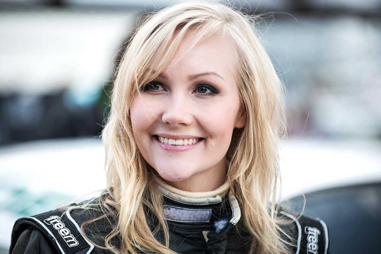 女性ドライバー、レース契約と引き換えにヌード撮影を要求された屈辱 / F1関連ニュース