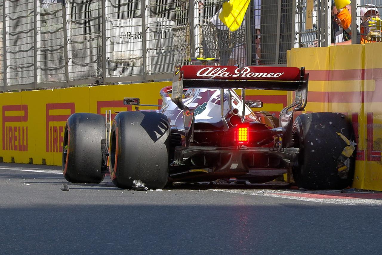 アントニオ・ジョビナッツィ、クラッシュを悔やむ「Q3さえ可能だった」 / アルファロメオ F1アゼルバイジャンGP 予選