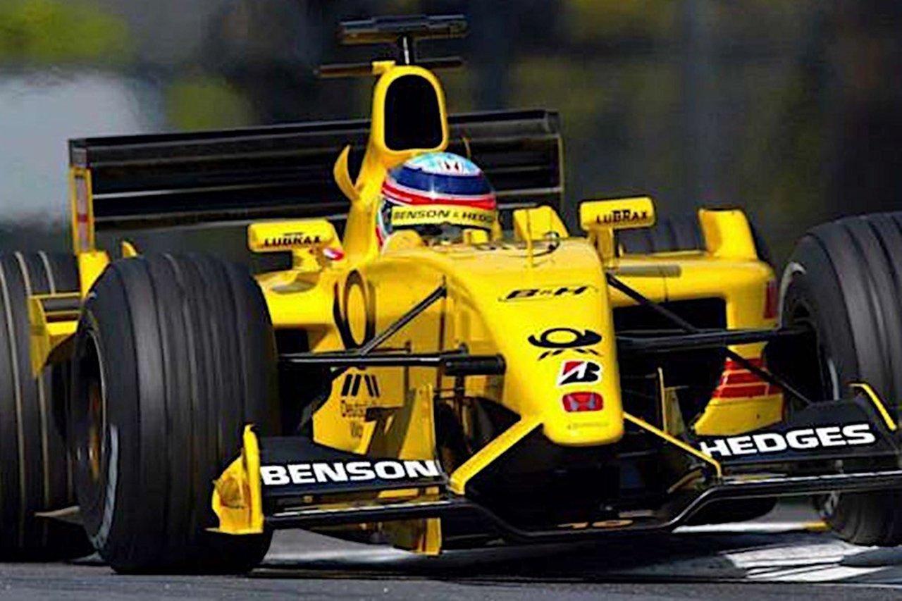 2002年の佐藤琢磨のジョーダン EJ12を試乗できるサービスが英国で開始