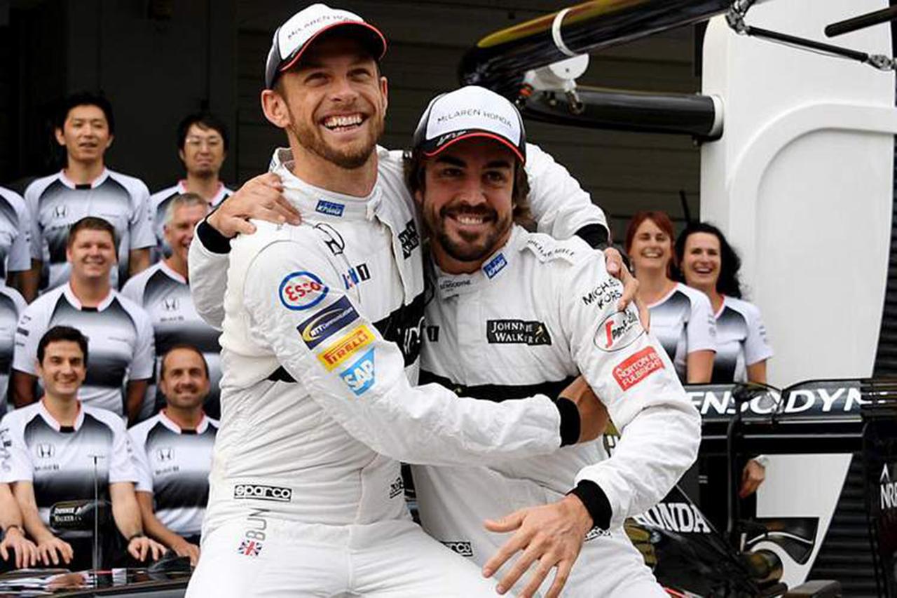 元F1ドライバーのジェンソン・バトン 「フェルナンド・アロンソは謙虚になることを学んだ」