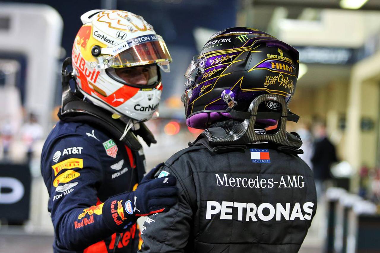 「世界中がマックスとルイスが同じF1マシンに乗るのを待っている」とヨス・フェルスタッペン