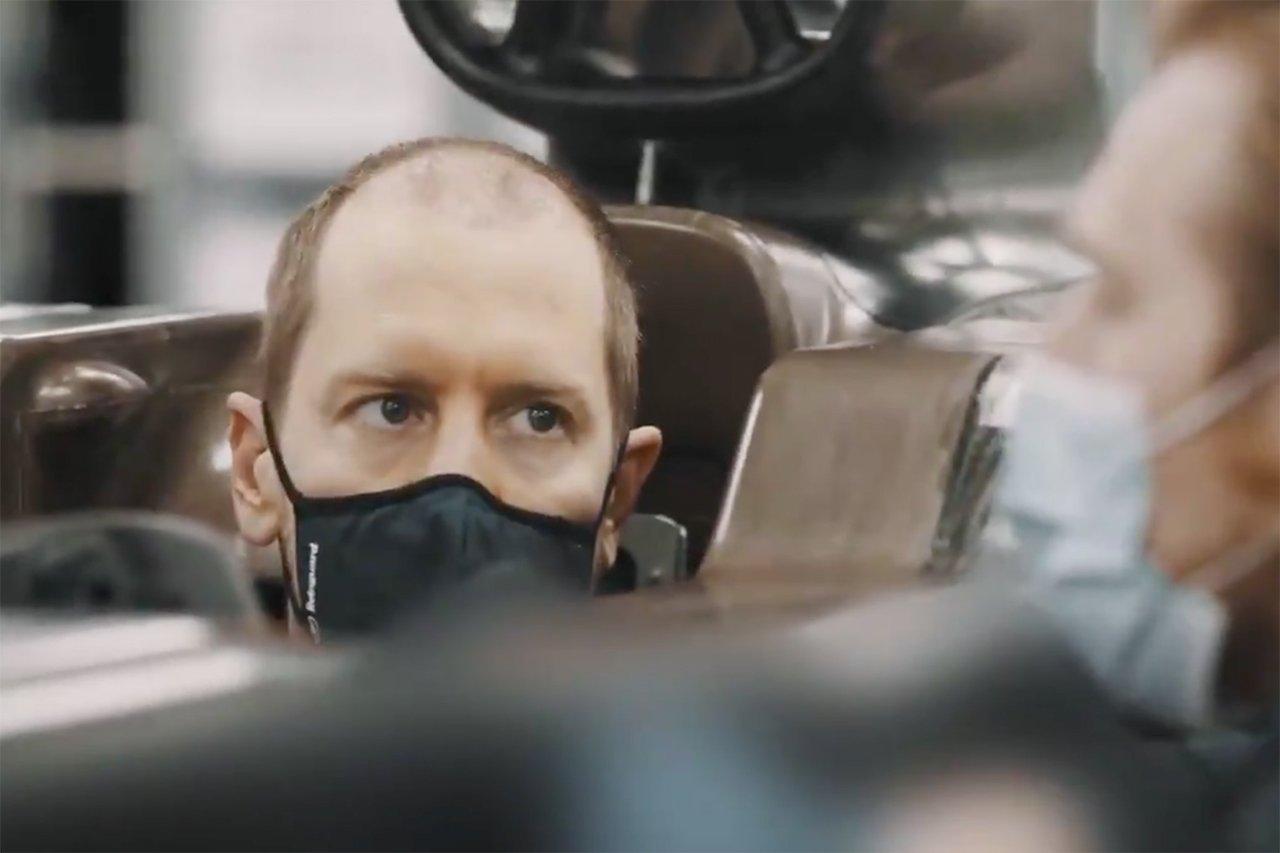 F1:セバスチャン・ベッテル、シート合わせ映像でヘアスタイルが話題
