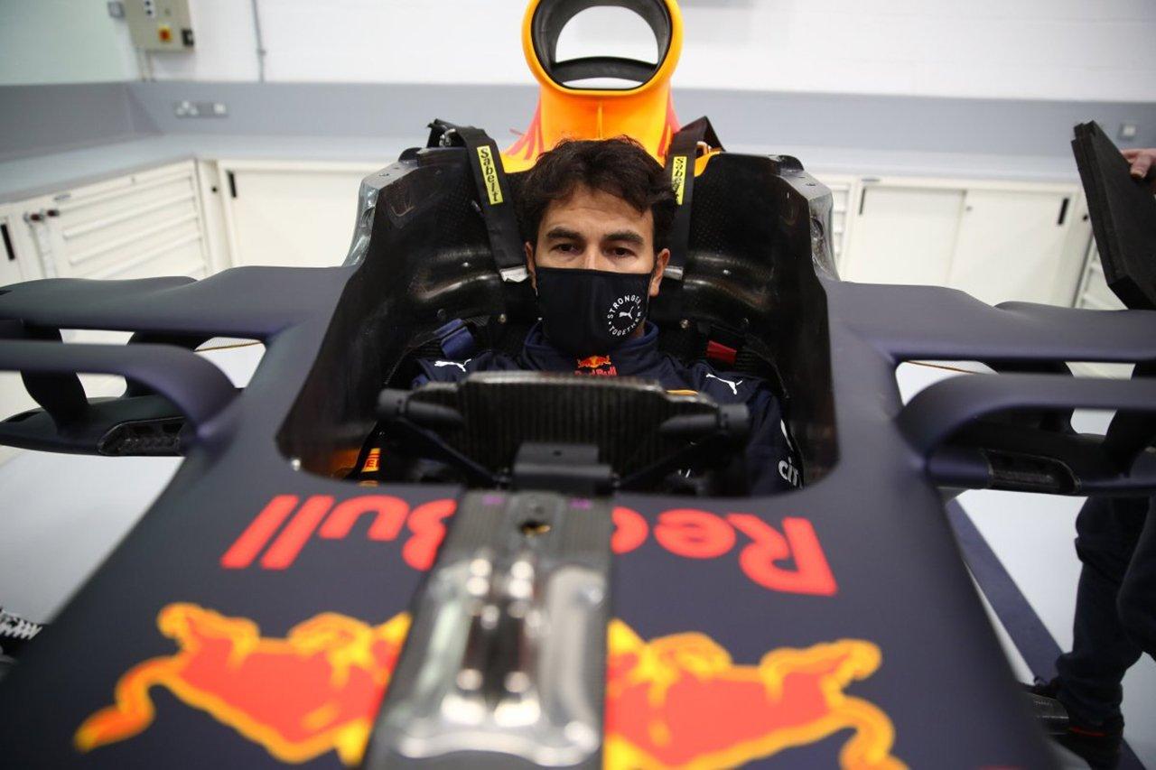 セルジオ・ペレス、レッドブル・ホンダF1の旧型マシンでテストを計画