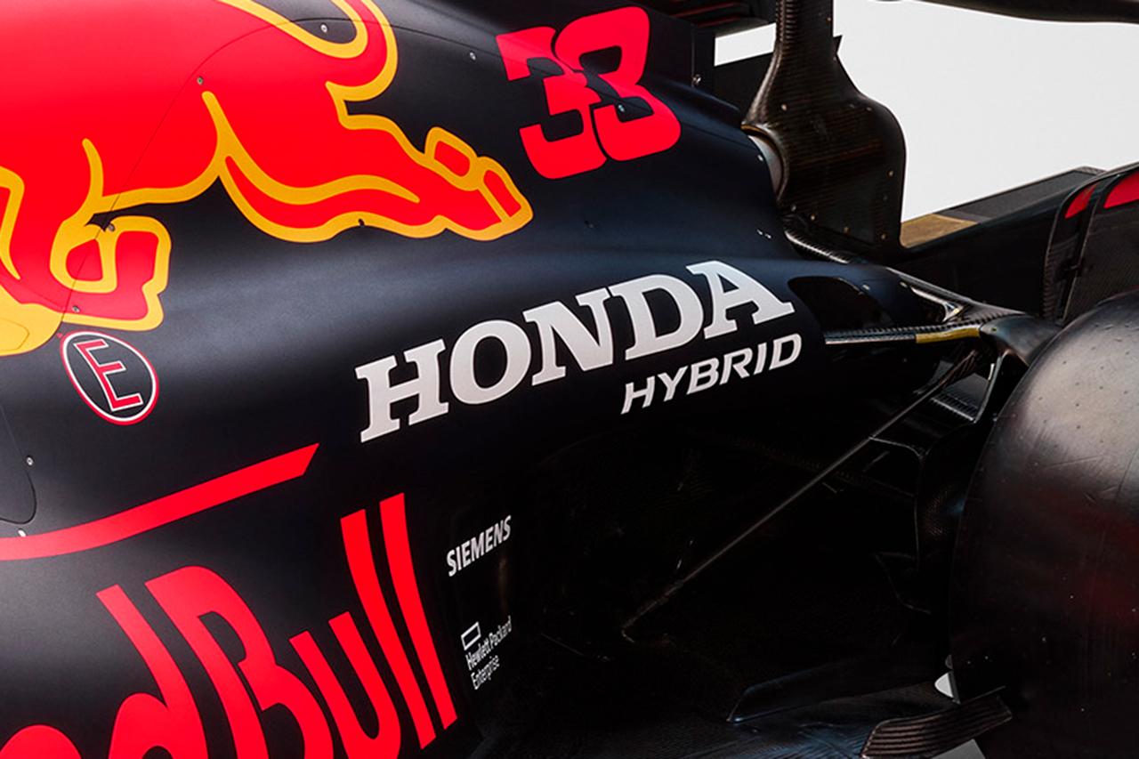 レッドブルF1 RB16B:サイドのHONDAロゴがほぼ直立!衝撃のリア周り / 2021年F1マシン解説