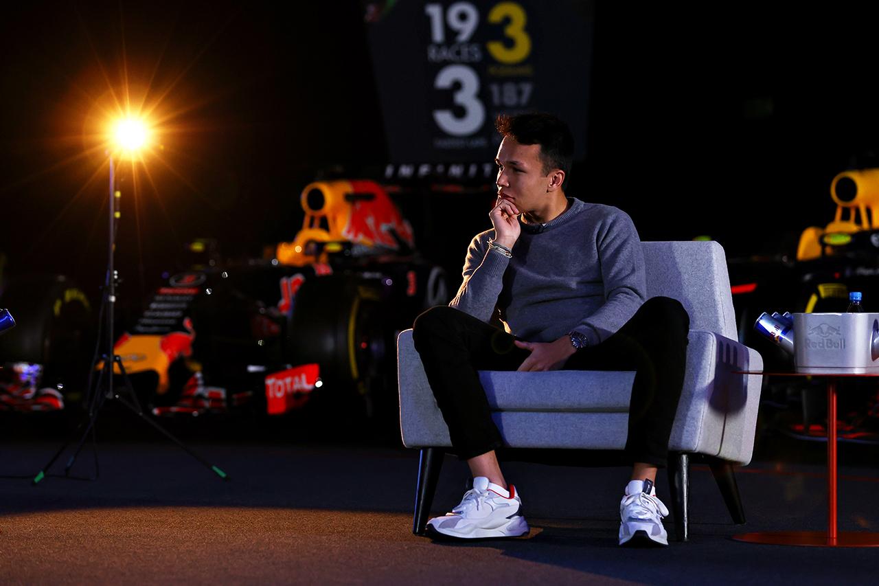 F1シート喪失のアレクサンダー・アルボン 「角田裕毅に恨みはない」