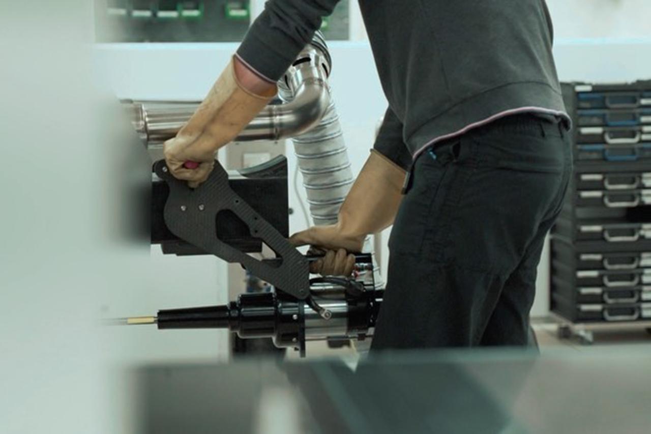 【動画】 アストンマーティンF1、『AMR21』のF1エンジンを初始動