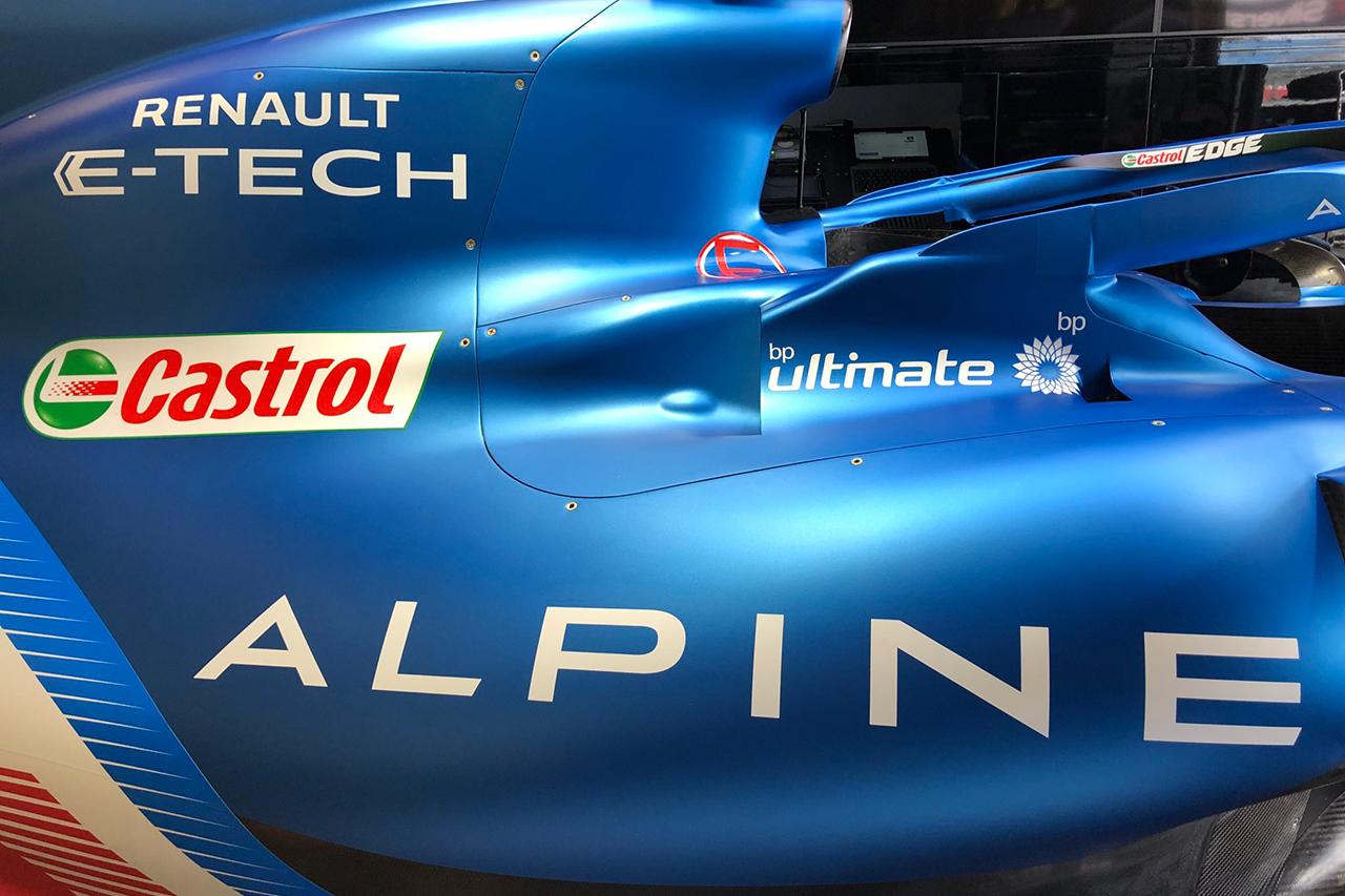 ルノー、2022年の新型F1パワーユニットでメルセデス型のレイアウトを検討