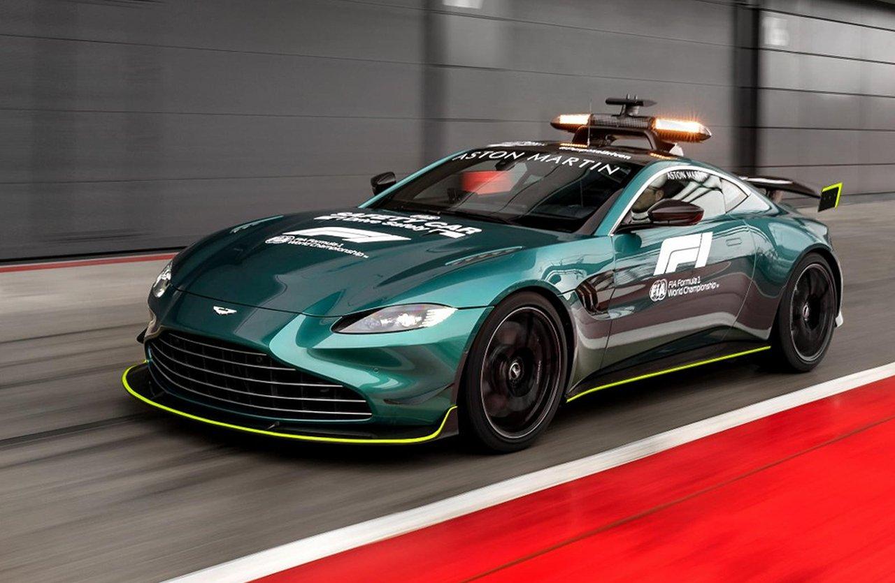 アストンマーティン、2021年に導入するF1セーフティカーをお披露目