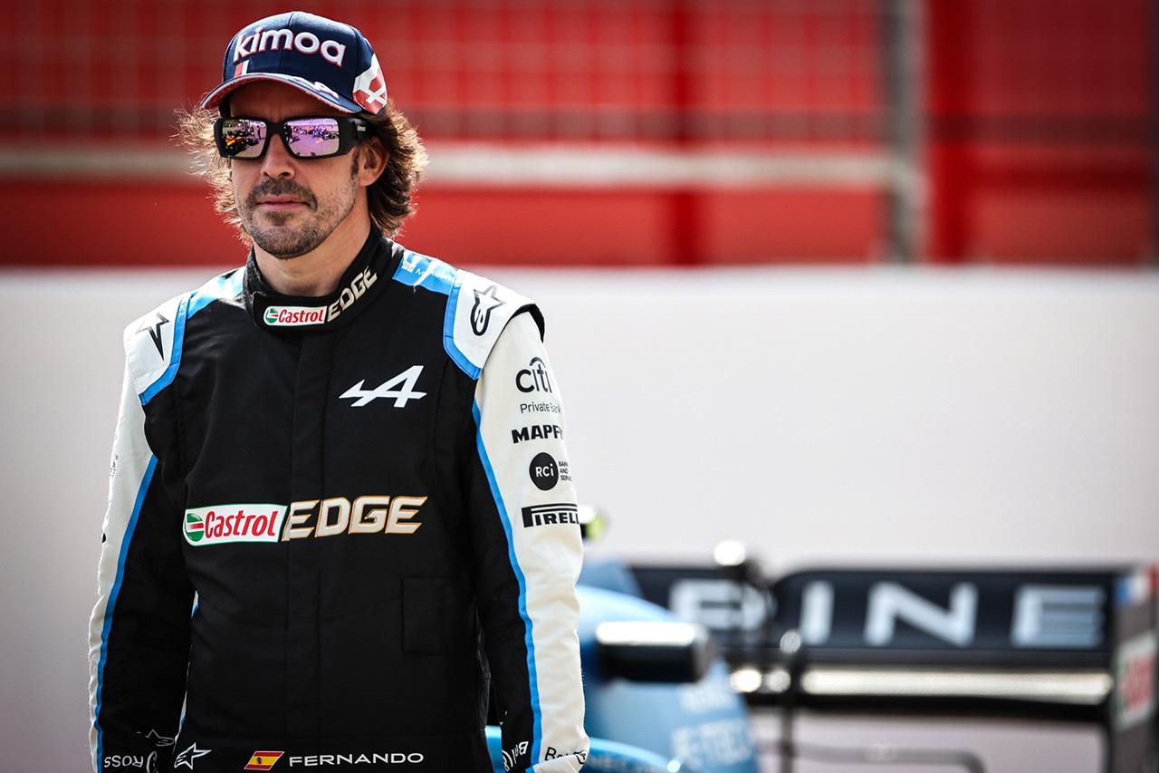 アルピーヌF1のフェルナンド・アロンソ、2021年シーズン終了後に顎の再手術が必要