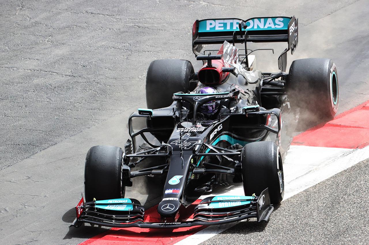 メルセデスF1のルイス・ハミルトン 「W12のリアのスイートスポットを見つけられていない」 / 2021年F1プレシーズンテスト2日目