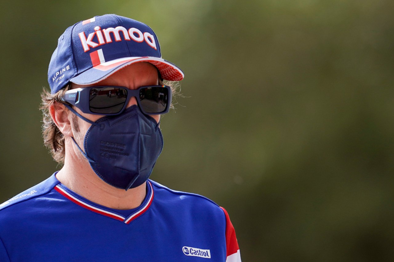 アルピーヌF1のフェルナンド・アロンソ 「自転車に乗るのをやめるつもりはない」