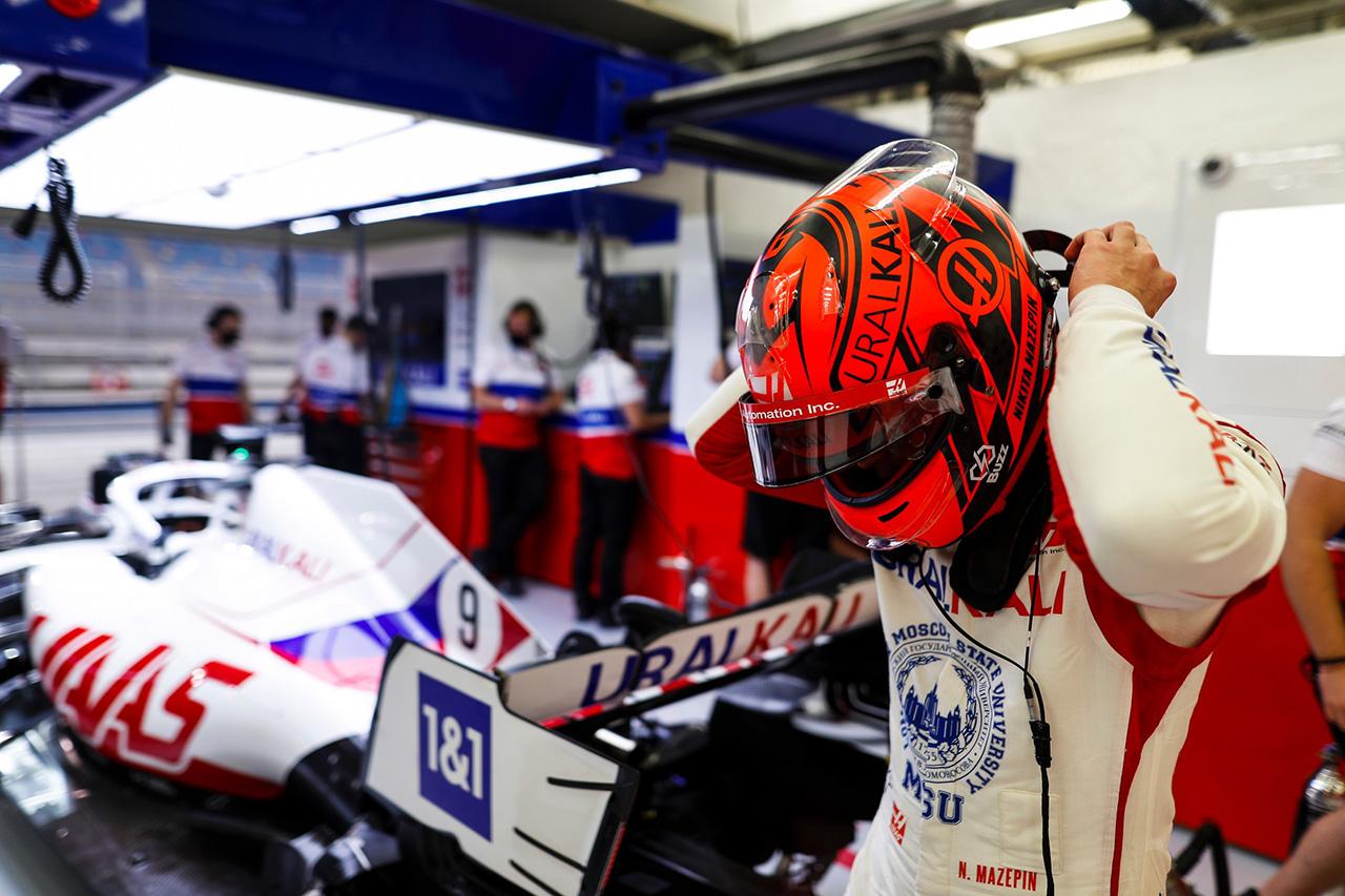 F1:日本企業Buzzグループ、ニキータ・マゼピンとのスポンサー契約を発表