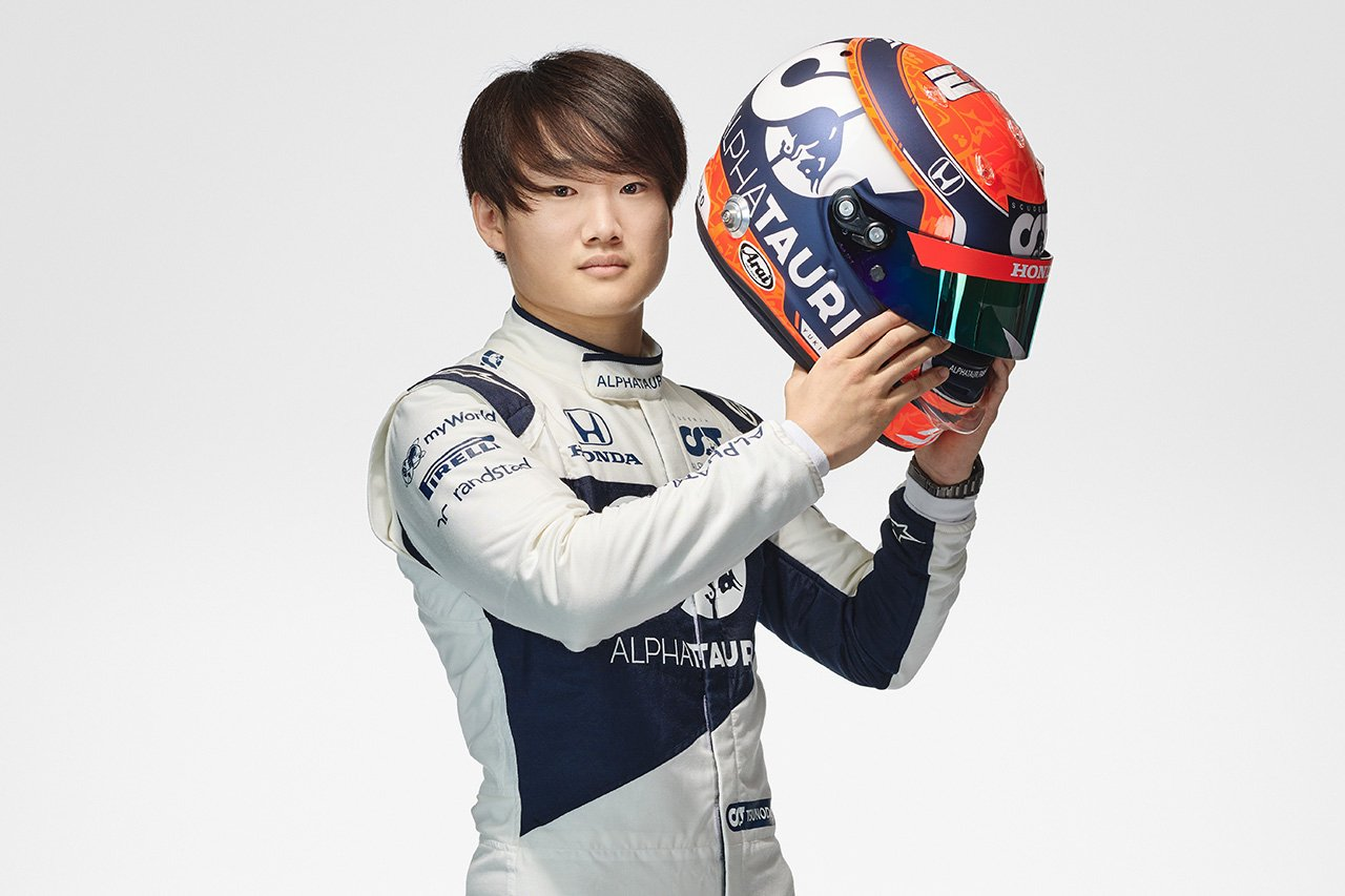 角田裕毅 2021年 F1ヘルメット (アルファタウリ・ホンダF1)
