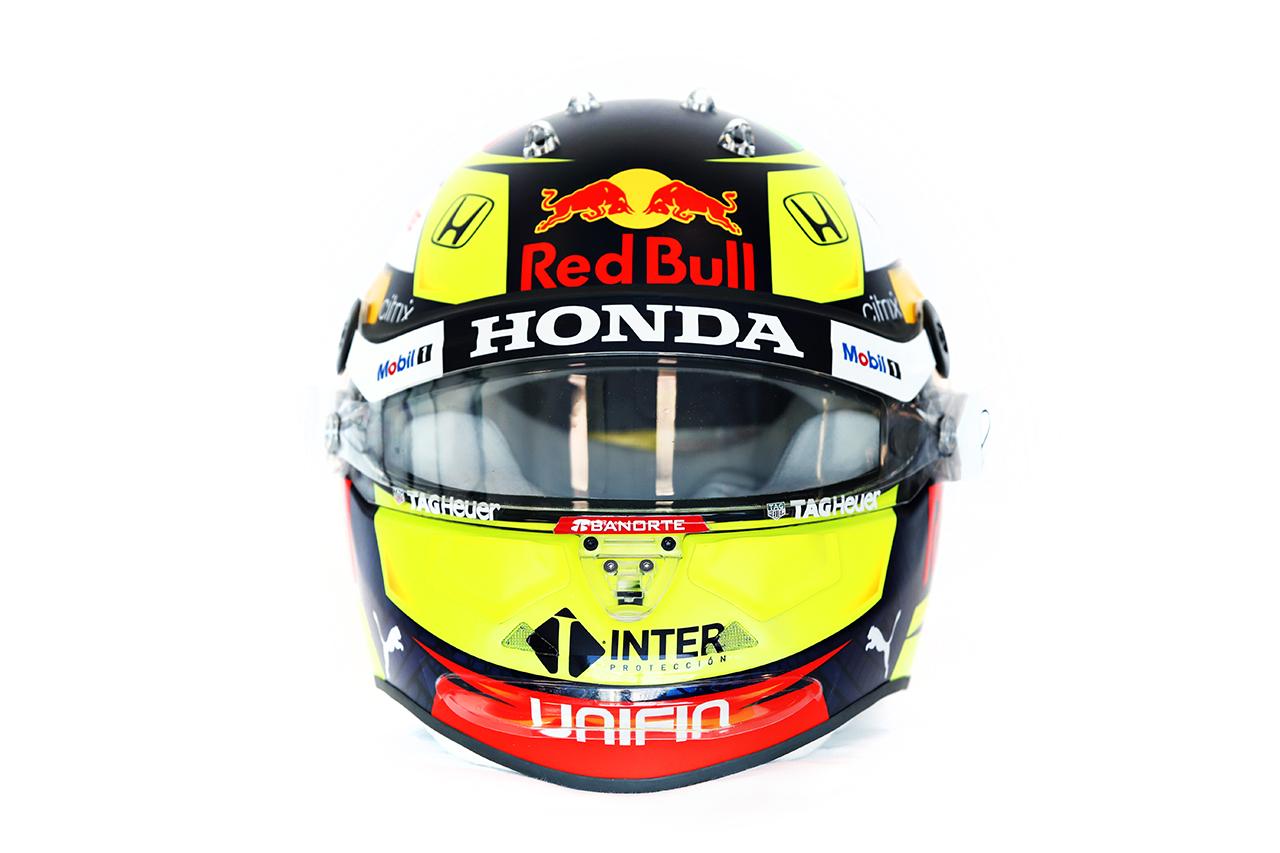 セルジオ・ペレス 2021年 F1ヘルメット 正面(レッドブル・ホンダF1)