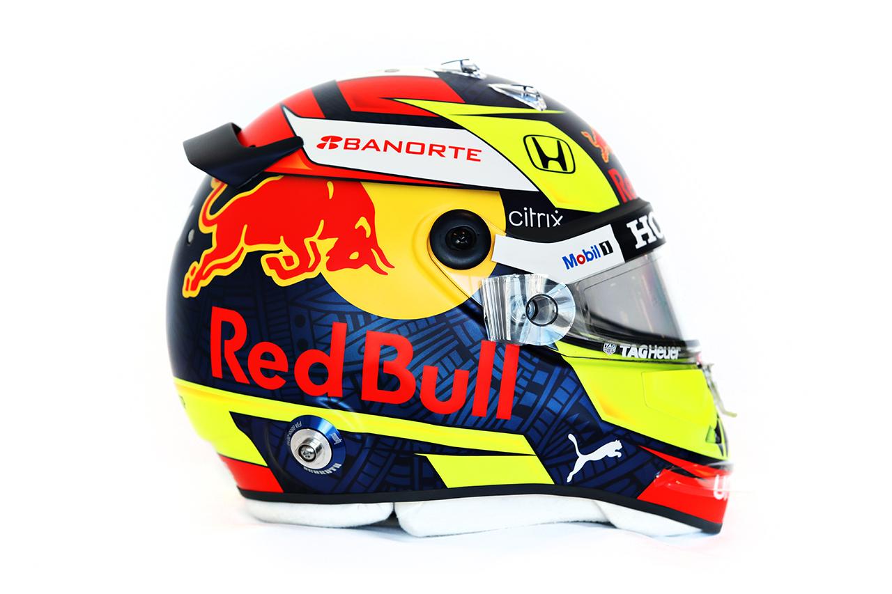セルジオ・ペレス 2021年 F1ヘルメット 側面(レッドブル・ホンダF1)