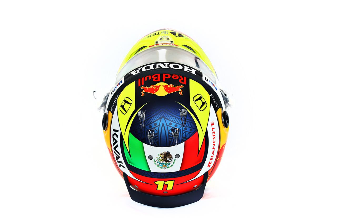 セルジオ・ペレス 2021年 F1ヘルメット 頭頂部(レッドブル・ホンダF1)