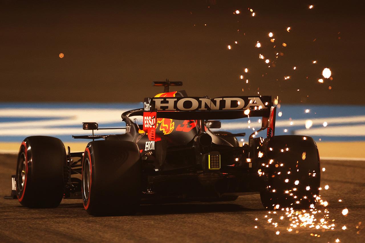 【動画】 F1バーレーンGP フリー走行2回目 ハイライト