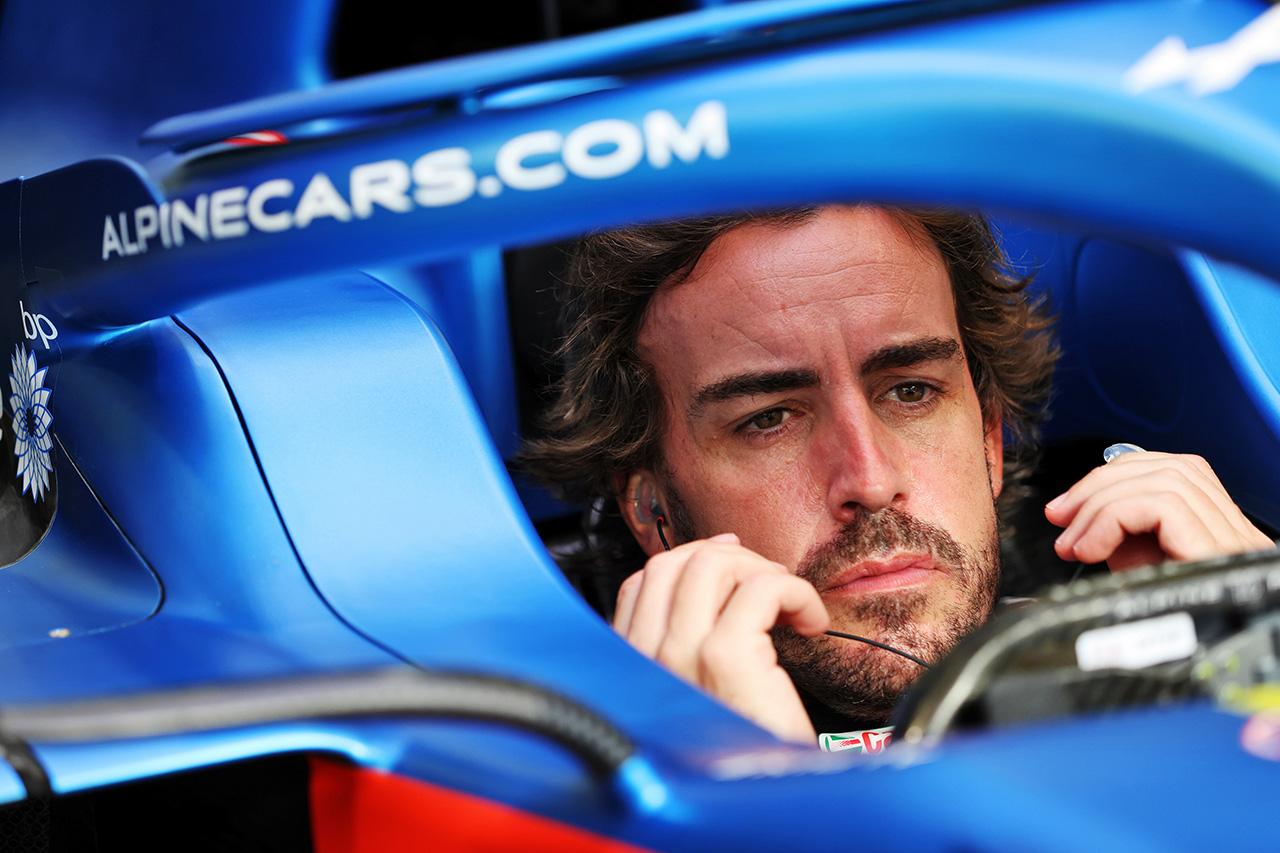 フェルナンド・アロンソ 「F1に戻ってきたという感覚を楽しんだ」 / アルピーヌ F1バーレーンGP 初日