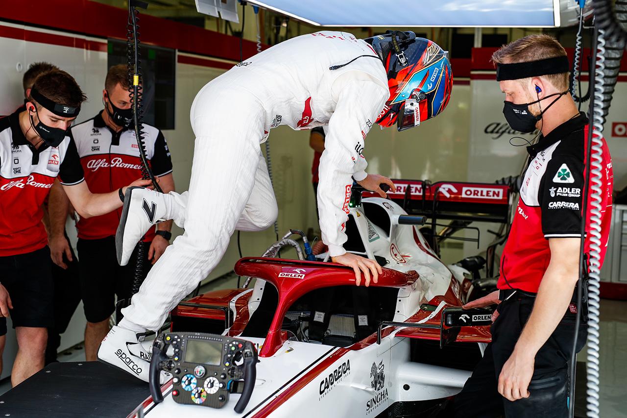 キミ・ライコネン、Q2敗退14番手 「パッケージは良くなっている」 / アルファロメオ F1バーレーンGP予選