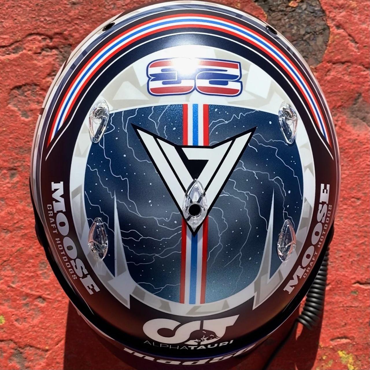 アレクサンダー・アルボン 2021年 ヘルメット(レッドブルF1)