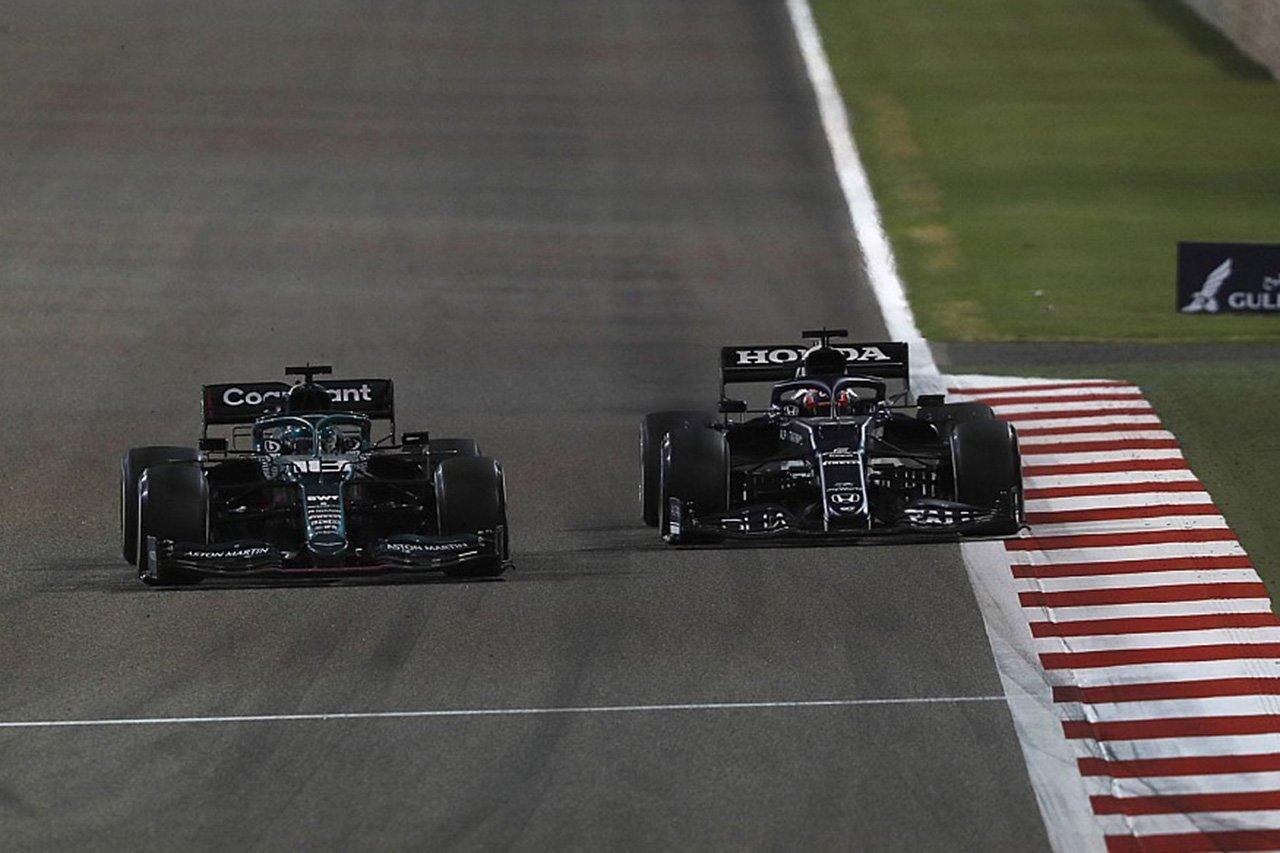角田裕毅 「最終ラップでストロールを抜けなかったら眠れなかった」 / F1バーレーンGP決勝