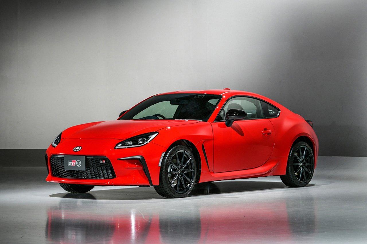 トヨタ、新型GR86を世界初公開…SUBARUと切磋琢磨して進化