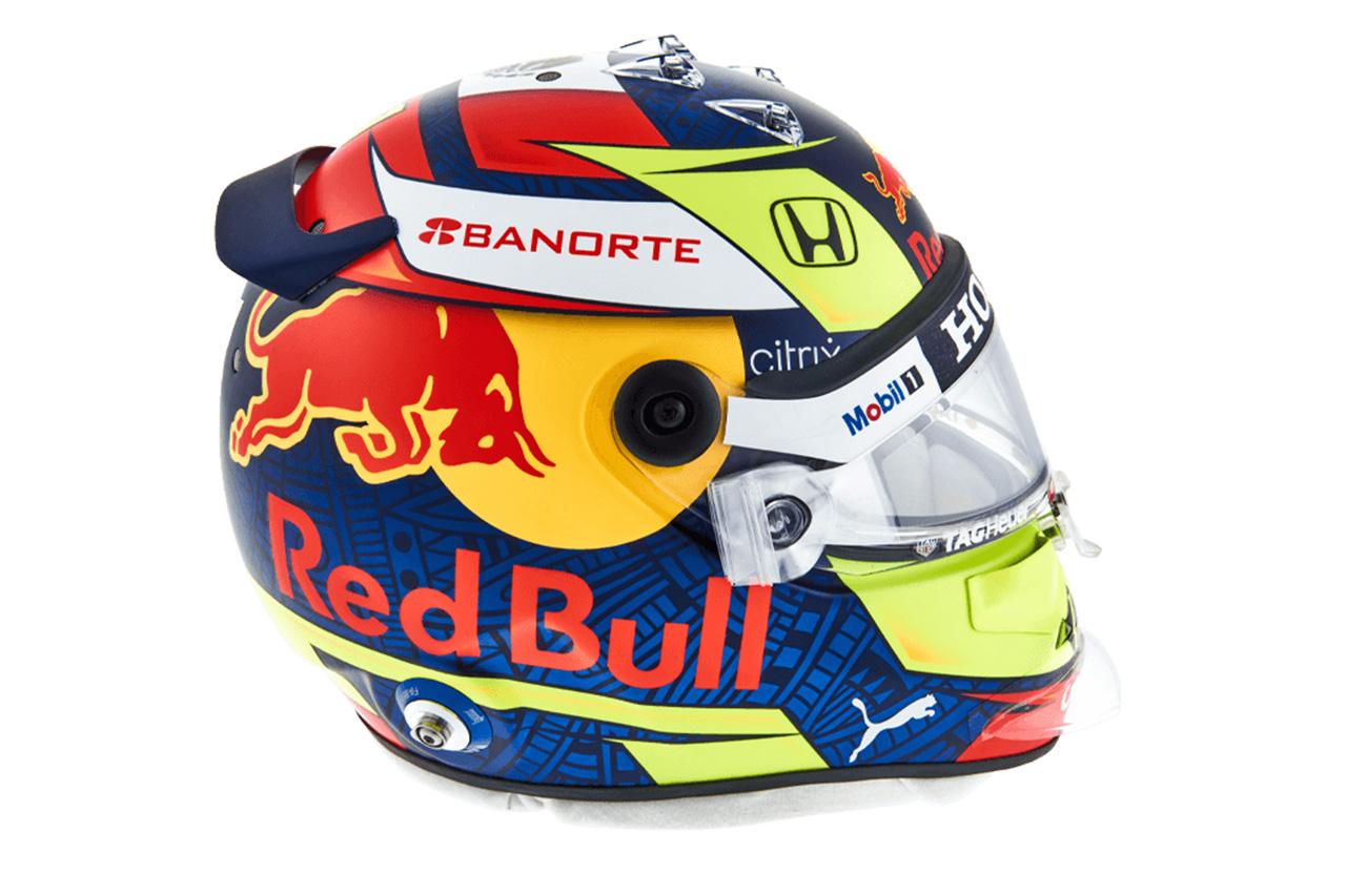 セルジオ・ペレス:2021年 F1ヘルメット