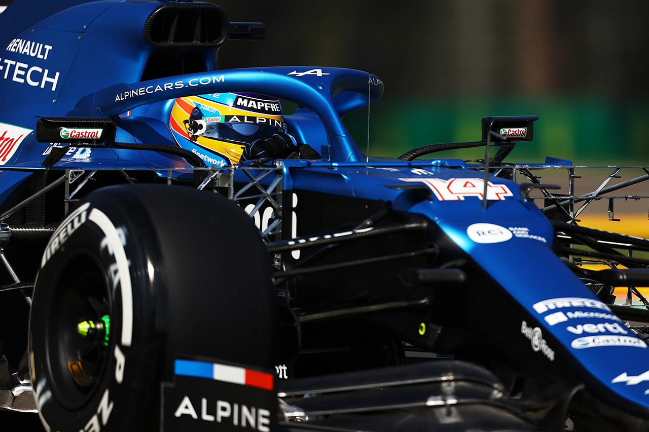 フェルナンド・アロンソ 「現代のF1マシンで走行するイモラは素晴らしい」 / アルピーヌ F1エミリア・ロマーニャGP 初日