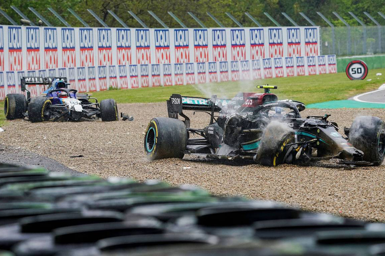 ジョージ・ラッセル、バルテリ・ボッタスに激怒「殺す気かと尋ねた」 / F1エミリア・ロマーニャGP 決勝