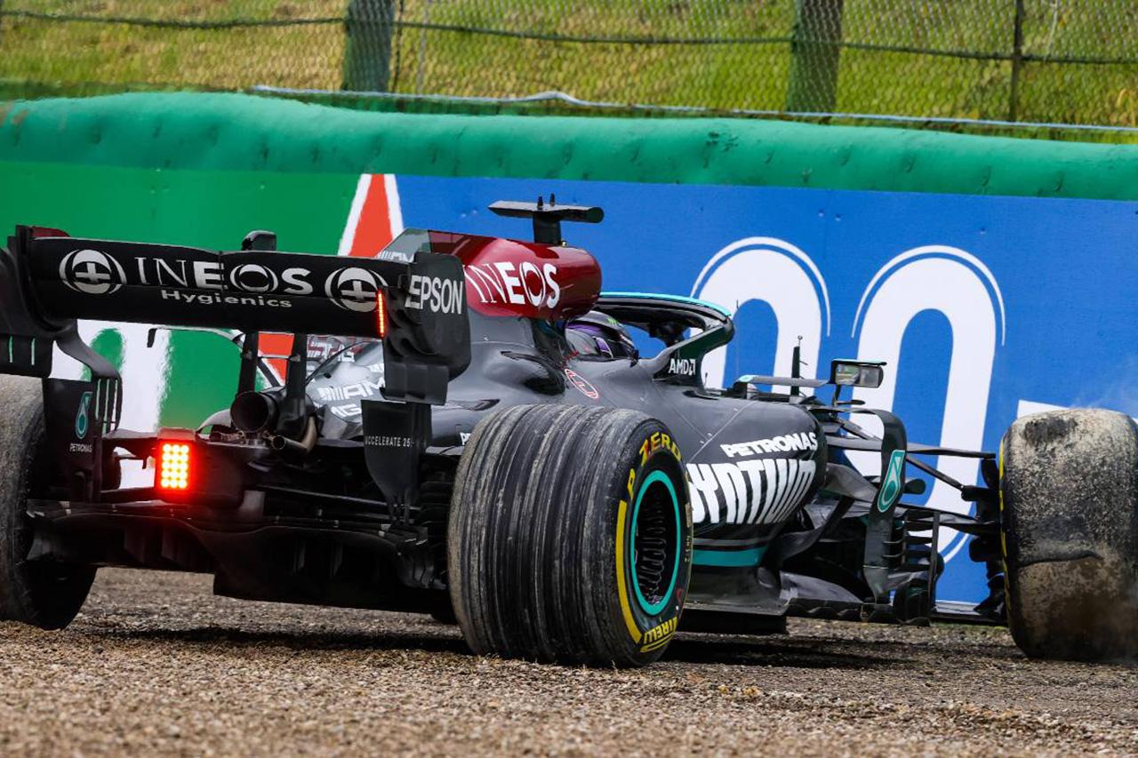 FIA 「ルイス・ハミルトンのバックでのコース復帰は完全にルールの範囲内」 / F1エミリア・ロマーニャGP 決勝