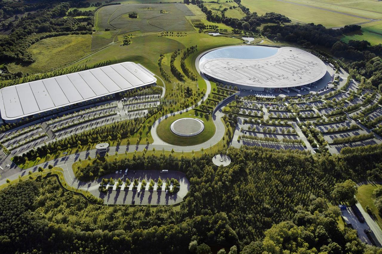 F1:マクラーレン、ウォーキング本社を米国の不動産大手GTLに256億円で売却