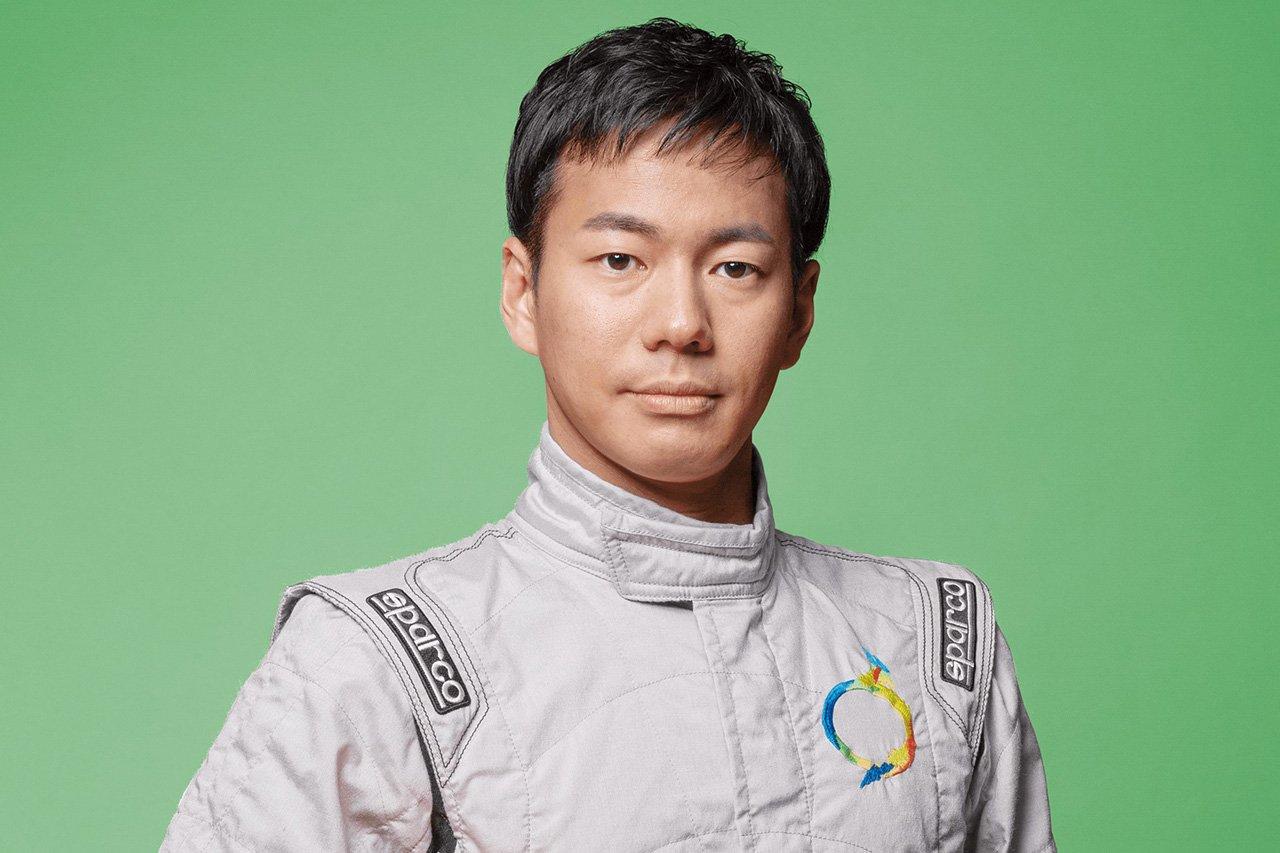 元F1ドライバーの山本左近、スーパーフォーミュラ・ライツの表彰式プレゼンターとして登壇