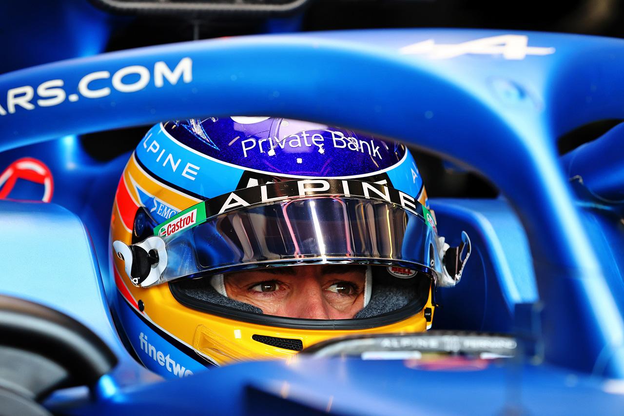 「フェルナンド・アロンソはF1キャリア初期ほど速くて勇敢ではない」と元F1ドライバーのマーク・ウェバー
