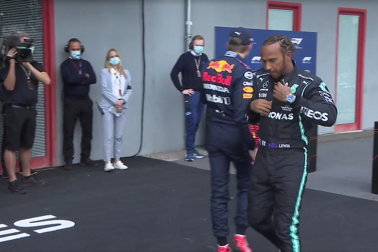 "F1:マックス・フェルスタッペン、ハミルトンと""肩がぶつかった""騒動を説明"