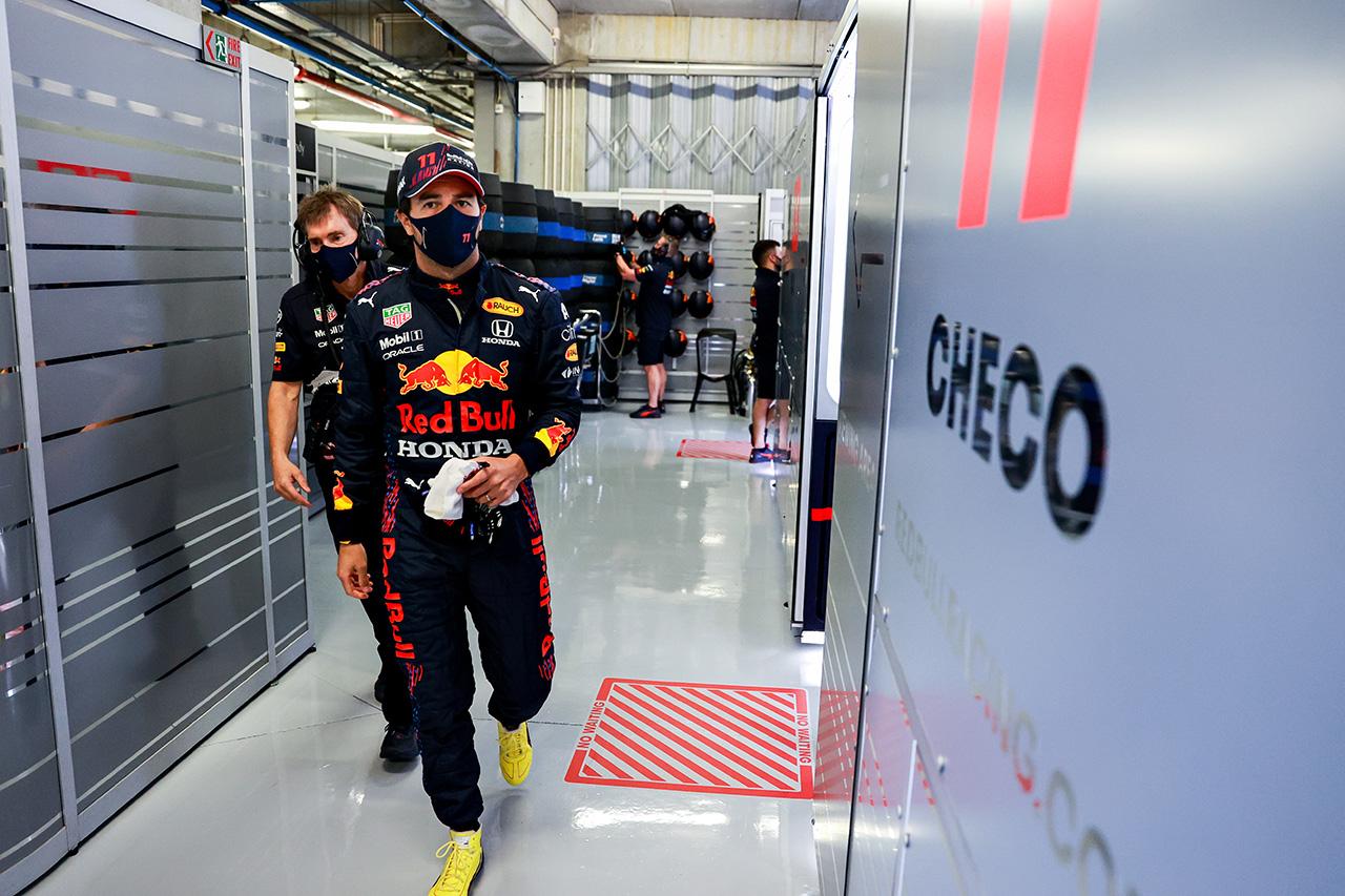 セルジオ・ペレス、予選4番手  「メルセデス勢と表彰台争いをしたい」 / レッドブル・ホンダ F1ポルトガルGP 予選