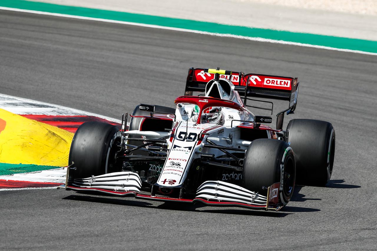 アントニオ・ジョビナッツィ 「キミとの接触で無傷だったのは幸い」 / アルファロメオ F1ポルトガルGP 決勝