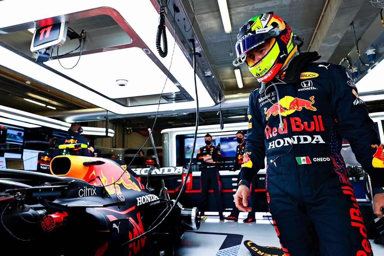 セルジオ・ペレス 「ノリスを激しくディフェンスしなったのは判断ミス」 / レッドブル・ホンダ F1ポルトガルGP 結果