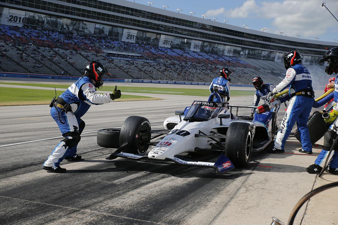 佐藤琢磨、テキサスのレース2は14位 「何もかも裏目に出てしまった」 / インディカー