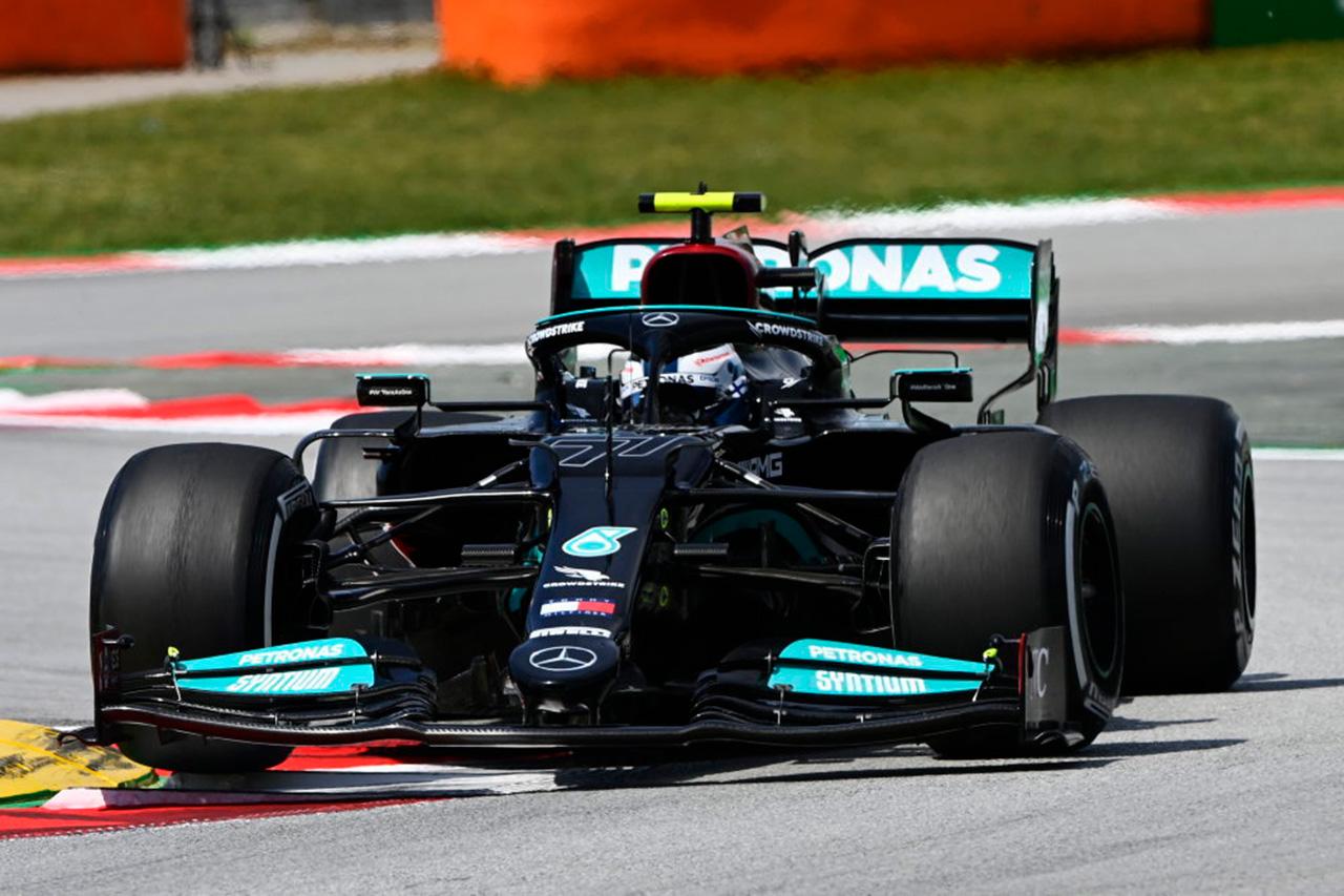 F1スペインGP フリー走行1回目:メルセデスF1のボッタスがトップタイム。0.033秒差の僅差でレッドブルF1のフェルスタッペンが2番手