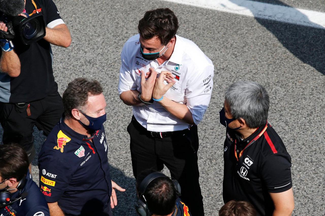 メルセデスF1代表 「レッドブルは我々のスタッフ100人に勧誘をかけた」