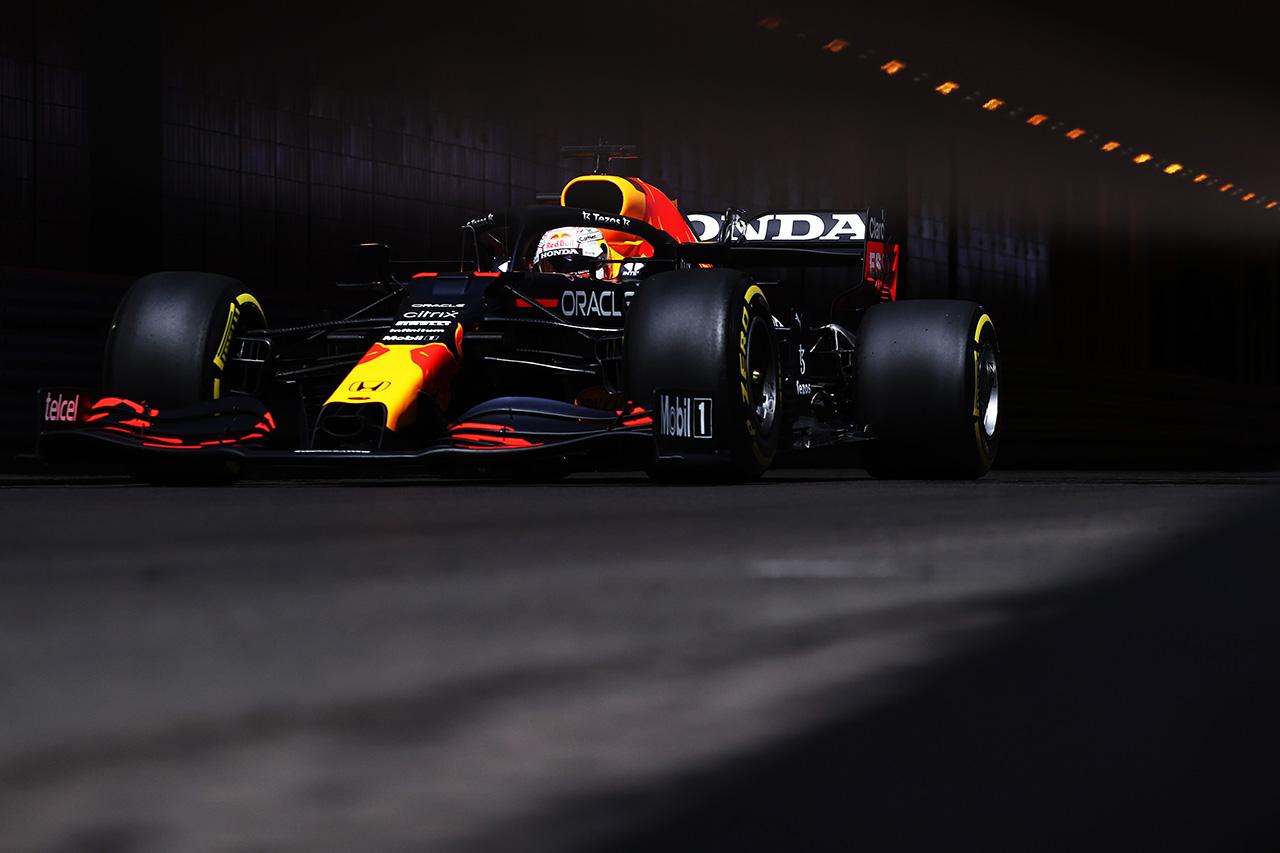 レッドブル・ホンダF1のマックス・フェルスタッペン 「フェラーリに匹敵するには大幅な改善が必要」 / F1モナコGP